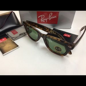 Ray Ban Wayfarer Sunglasses NEW